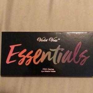 Violet Voss Essentials Pro Series Palette